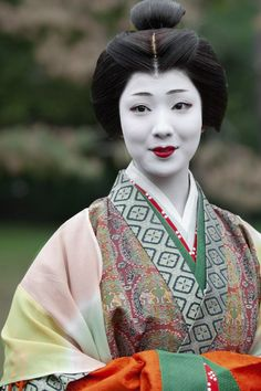 Maiko Mamefuji as Ono no Komachi, one of the most famous poets of ancient Japan, during the Jidai Matsuri .  Japan.  http://naeyes.exblog.jp/