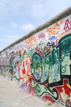De Berlijnse muur tegenwoordig. https://www.hotelkamerveiling.nl/hotels/duitsland/hotel-berlijn.html