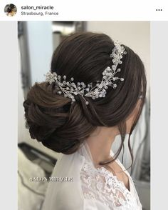 20 Bridesmaid Hairstyles for Long Hair That Will Make You Stand Out