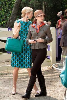 Queen B donning a cloche on Gossip Girl