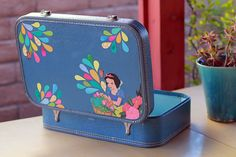 I'm so in love with the remixed vintage cases with fabulous decoupage over at etsy store of @judythejazzcat $75.00 USD Would love to try this at home, or get my hands on some of her beautiful designs. Wait for a bombardment of images now.