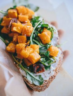 What is a tartine if not a fancy piece of toast? You'll love this Butternut Squash, Arugula, and Roasted Garlic Goat Cheese Tartine recipe! Antipasto, Tostadas, Thanksgiving Recipes, Fall Recipes, Cooking Recipes, Healthy Recipes, Vegetarian Recipes, Snacks Für Party, Bruschetta