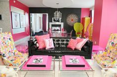 The Palms Las Vegas- Barbie Suite by Jonathan Adler. Also check out the Barbie Dream House in Malibu. Barbie is the luckiest girl I know! Dreamhouse Barbie, Barbie Malibu Dream House, Malibu Barbie, Malibu Mansion, Palms Las Vegas, Themed Hotel Rooms, Theme Hotel, Barbie Room, Barbie Theme