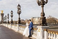 The Alexander 3 bridge offers one of the most stunning backdrops for photo session in Paris! Alexandre Iii, Paris Wedding, Paris Photography, Paris Photos, Most Romantic, Photo Sessions, Real Weddings, Backdrops, Bridge