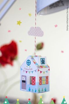 FREE printable Christmas paper house ornament / Le lapin dans la lune - Non dairy Diary #paperHouse