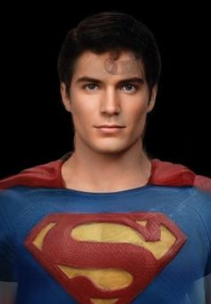 what the #ManOfSteel really looks like when all the men who have played him are morphed together.  If he only exsisted