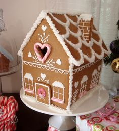 10 amazingly clever ideas for gingerbread!  Love this!