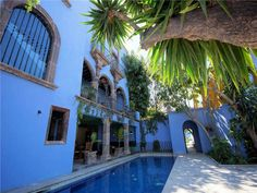 Casa Recreo P8D642 This spectacular Centro home is in a prime view location just 2 blocks from the Jardin. With central courtyard, grand reception rooms, terraces and swimming pool, this home is truly magnificent. Each of the bedrooms has a spacious attached bath,... Single Family Home