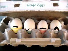 Mustache Eggs https://www.passiondiy.com/mustache-eggs/ Una #decorazione #pasquale che vede le #uova trasformate in tanti personaggi, attraverso un #disegno minimalista, che mette in evidenza un solo elemento del volto: i #baffi…