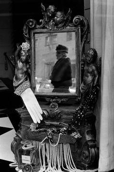 Constantine Manos - NYC, 5th Ave. 1961.