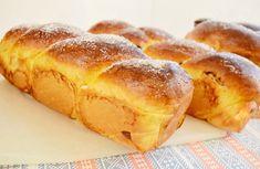 Reteta culinara Desert cozonac fara framantare, cu nuca si nuca de cocos din categoria Dulciuri. Cum sa faci Desert cozonac fara framantare, cu nuca si nuca de cocos Jacque Pepin, Loaf Cake, Hot Dog Buns, Ice Cream, Bread, Cooking, Romania, Cupcakes, Knitting