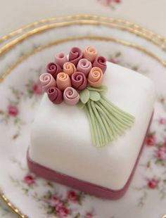 Petit Fours Little Cakes And Cakes On Pinterest