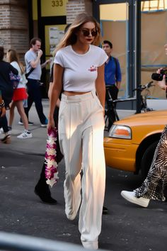 "fashion-clue: "" fashion-clue: "" nichtsocalvinklein: "" Hello Miss Gigi | via Tumblr auf We Heart It - http://weheartit.com/s/NDVRxBLd "" www.fashionclue.net | Fashion Tumblr, Street Wear &..."