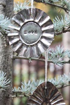 My Sweet Savannah: ~thrifty thursday~{ tart pan ornaments }
