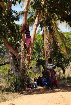 https://flic.kr/p/A4wBKH | Meninas | Mongue | Moçambique