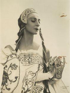 Olga Spessivtseva in a costume by Natalia Goncharova (1933) ~Image by Boris Lipnitski