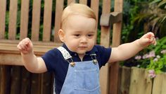 Príncipe George dá os primeiros passos - Internacional - Notícia - VEJA.com