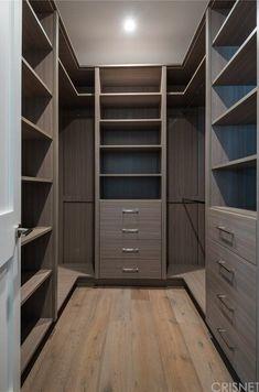 closet layout 497366352602383594 - Diy home decor Source by mischagreen