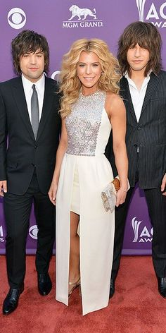ACM Awards : The Band Perry in This board is for all #CountryMusic Lovers who dig cool stuff that other fans could appreciate. Feel free to Post or Comment and Share this Pin! http://brandurband.com/bubsite/country-reviews #BUBLive #BrandUrBand