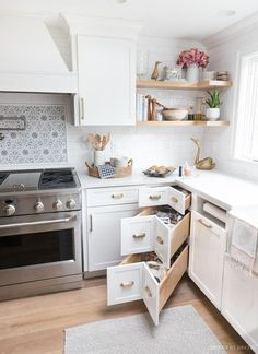 These corner kitchen drawers are genius! So much better than a lazy Susan! diy kitchen decor Best of Driven by Decor Corner Drawers, Kitchen Drawers, Kitchen Cabinets, Wall Cabinets, Spice Cabinets, Kitchen Island Storage, Kitchen Cupboard, Corner Shelves, Kitchen Tile