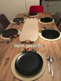 For pricing information WhatsApp 05357137560 İlkem Şeker Evi. Izmir - New Deko Sites Art N Craft, Craft Work, Diy Crafts For Home Decor, Ramadan Crafts, Small Space Interior Design, Jute Crafts, Crochet Decoration, Home Decor Furniture, Table Decorations