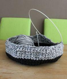 Chat Crochet, Crochet Motifs, Crochet Home, Crochet Gifts, Crochet Yarn, Crochet Patterns, Cat Cave Crochet Pattern, Ravelry Crochet, Cat Couch