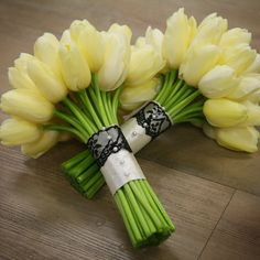 Yellow is my favorite.. plus it would match the men. But would my pink rose bridal bouq clash?