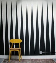 ▷ patterns black and white let you forget a wall design with color Pattern black and white wall design with color furnishing examples black and white living room furn Creative Wall Painting, 3d Wall Painting, Creative Walls, Creative Ideas, Black And White Living Room, Black Interior Design, Interior Walls, Interior Inspiration, Interior Ideas