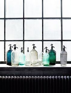 I heart colored glass. Collections of it. Especially collections of like-colored glass bottles. Antique Bottles, Vintage Bottles, Bottles And Jars, Glass Bottles, Antique Glass, Interior Pastel, Blue Bottle, Marimekko, Colored Glass