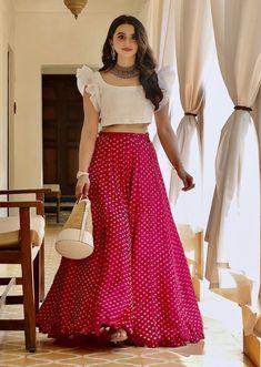 Long Dress Design, Stylish Dress Designs, Designs For Dresses, Stylish Dresses, Skirt Blouse Design, Long Skirt Top Designs, Indian Gowns Dresses, Indian Fashion Dresses, Indian Designer Outfits