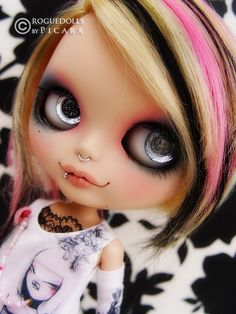 i know its a doll but her hair is still pretty sick