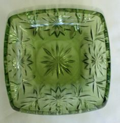 VINTAGE GREEN DEPRESSION GLASS SQUARE CANDY DISH