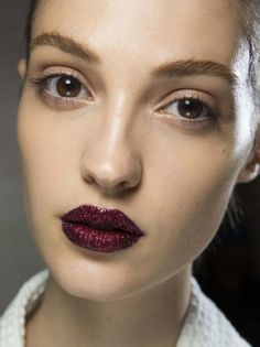 atelier versace fall couture glitter lips