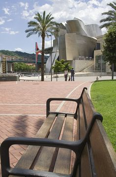Spain in Pictures: 15 Beautiful Places to Photograph Guggenheim Museum Bilbao, Frank Gehry, Basque Country, Outdoor Chairs, Outdoor Decor, Best Cities, Beautiful Places, Spain, To Go