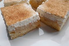 Apple sour cream cake with a difference 1 The post Apple sour cream cake with a difference appeared first on Dessert Park. Chewy Brownies, Healthy Brownies, Brownie Desserts, Homemade Brownies, Brownie Recipes, Apple Sour Cream Cake, Cream Cheese Brownies, Jam Recipes, Food Menu