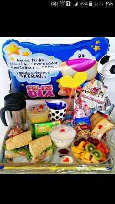 Carolin cakes! Los.mejores detalles Snack, Breakfast, Ideas, Food, Inspiration, Surprise Box, Box, Romantic Breakfast, Mom Presents