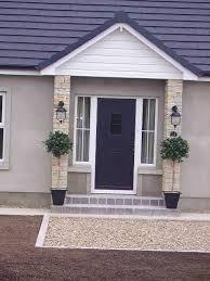 Ideas Exterior Front Door Colors Brick Steps For 2019 Bungalow Porch, Bungalow Exterior, Brown Front Doors, Front Door Steps, Porch Steps, Brick Porch, House Front Porch, Front Porch Design, Window Boxes