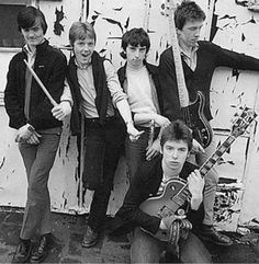 Listen to music from The Undertones like Teenage Kicks, My Perfect Cousin & more. Find the latest tracks, albums, and images from The Undertones. Rock N Roll, The Undertones, 70s Punk, Live Picture, One Wave, Band Pictures, Rock News, Glam Rock, Music Lovers