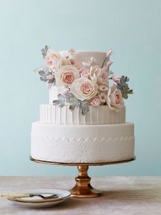 Grey and pink wedding cake: