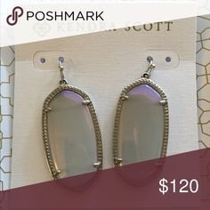Kendra Scott Iridescent Slate Elles in Silver Luminescent and gorgeous silver and iridescent slate Elle earrings. Discontinued color perfectly accented in silver settings😍 Kendra Scott Jewelry Earrings