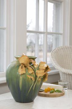 Laura's Vase – Artist Anniversary Series