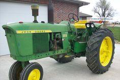 3010 John Deere Tractor Photos and info - TwentyWheels Farmall Tractors, John Deere Tractors, John Deere 2010, Tractor Photos, Farm Boys, Antique Tractors, Hobby Farms, Farm Life, Farming