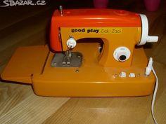 starý dětský šicí stroj - obrázek číslo 1