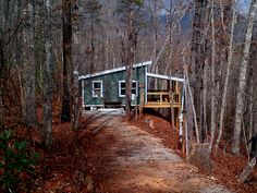 20 X 24 Shed Roof Cabin in upstate South Carolina- I like how its built off the hillside, like we are thinking of building ours. Cabin House Plans, Tiny House Cabin, Small House Plans, Cabin Homes, Tiny Houses, Prefab Homes, Shed Roof, House Roof, Ideas De Cabina