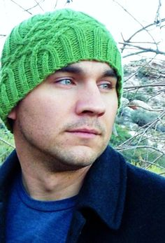 Knotty but nice knitted cap by Natalie Larson for Knitty issue 30 winter 2009