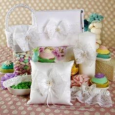 Delilah Collection Wedding Accessories Set Lace Bows Scalloped Favors
