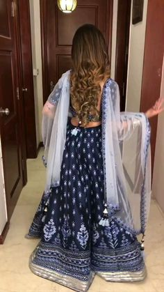 Party Wear Indian Dresses, Indian Gowns Dresses, Indian Bridal Outfits, Dress Indian Style, Indian Fashion Dresses, Indian Designer Outfits, Fashion Outfits, Stylish Dress Designs, Stylish Dresses