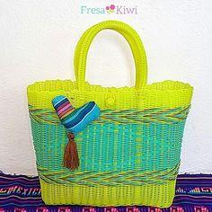 Bom día!! Mira nuestra preciosa bolsa color amarilla ideal para estas vacaciones