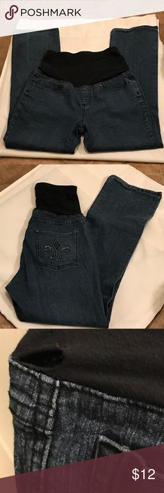 """💥Final💥👖Blue Over Tummy Stretch Jeans Good Condition, small tear, See pic. Small fix, Flare Leg, Good Stretch, Approximate measurements laying flat Waist 27"""" Hip 41"""" Length 46"""" Inseam 31"""" Jeans Flare & Wide Leg"""