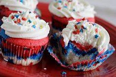 Red, White,  Blue Cupcakes (next Fourth of July dessert!)